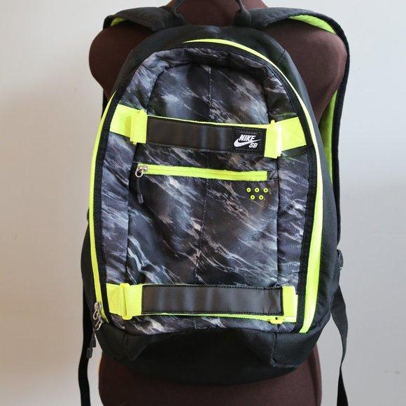 Nike Other - NIKE SB SkateBoard Embarca Medium Backpack Black